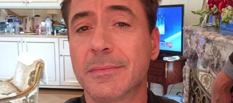 Robert Downey Jr selfie