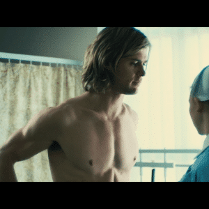 celebrity chris hemsworth shirtless