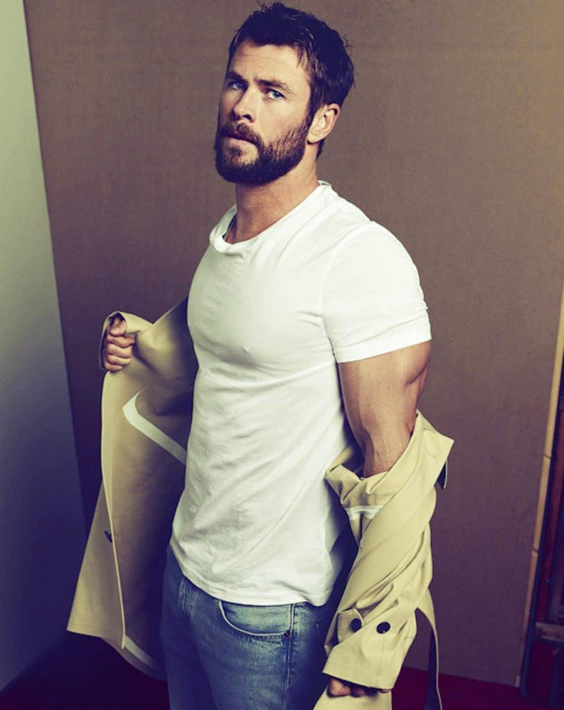 Chris Hemsworth white t-shirt and jeans