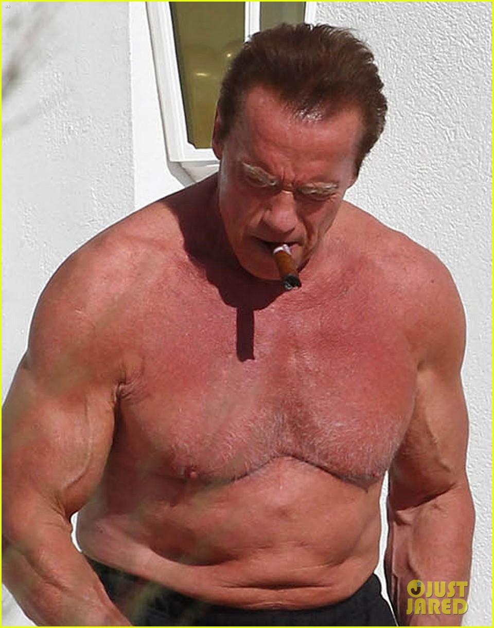 Arnold Schwarzenegger naked farted