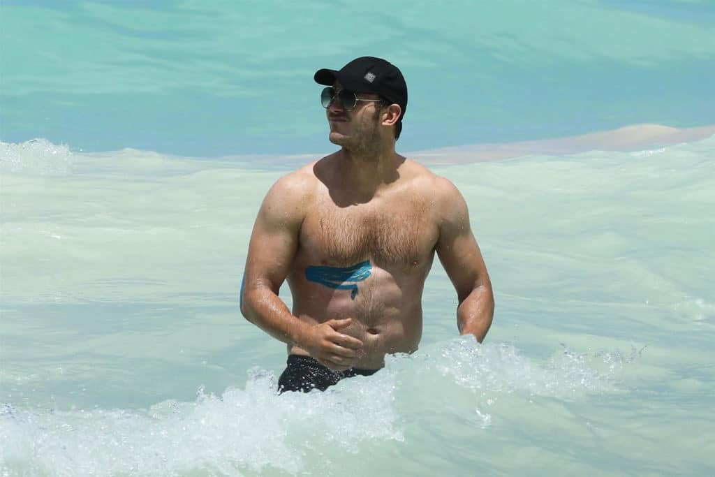 Chris Pratt sexy body beach