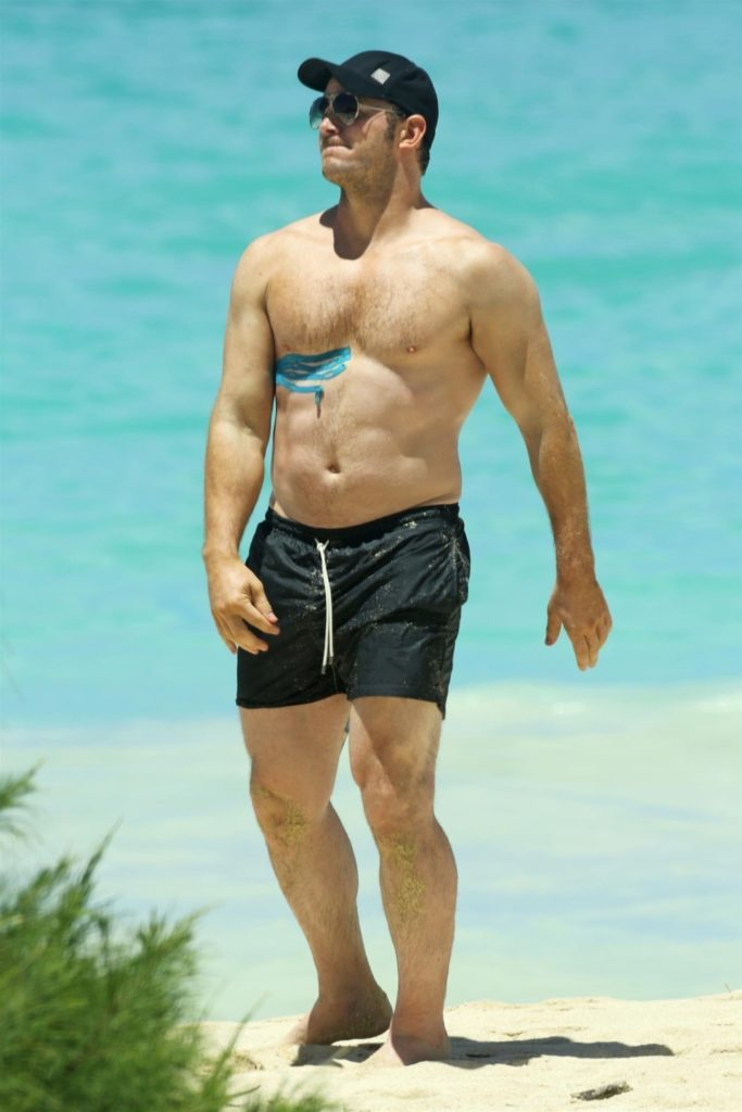Chris Pratt body at the beach buff (2)