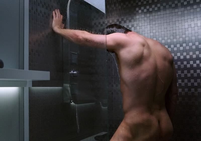 Chris Pratt naked in Passengers