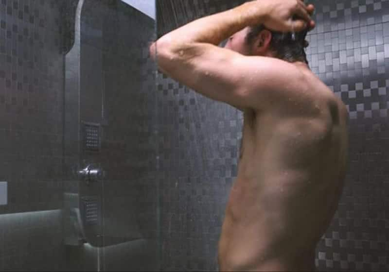 Chris Pratt showering