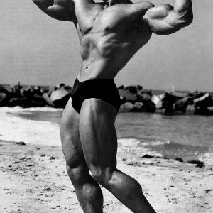 Bodybuilder Arnold Schwarzenegger Gets NAKED