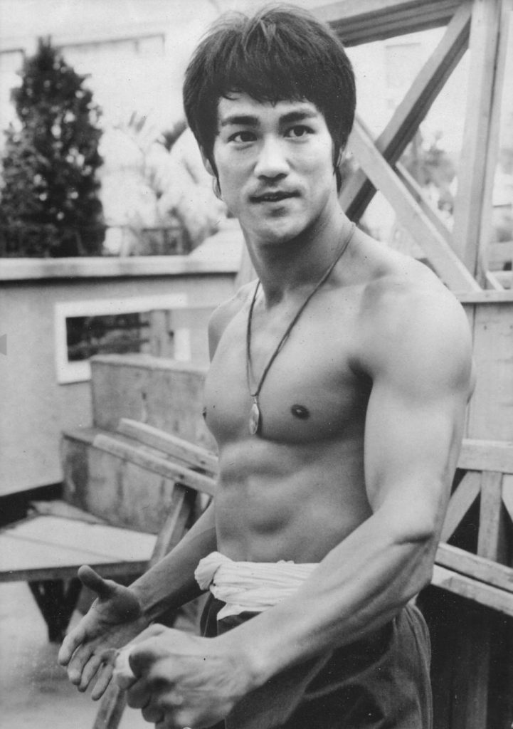 Bruce Lee with no shirt on