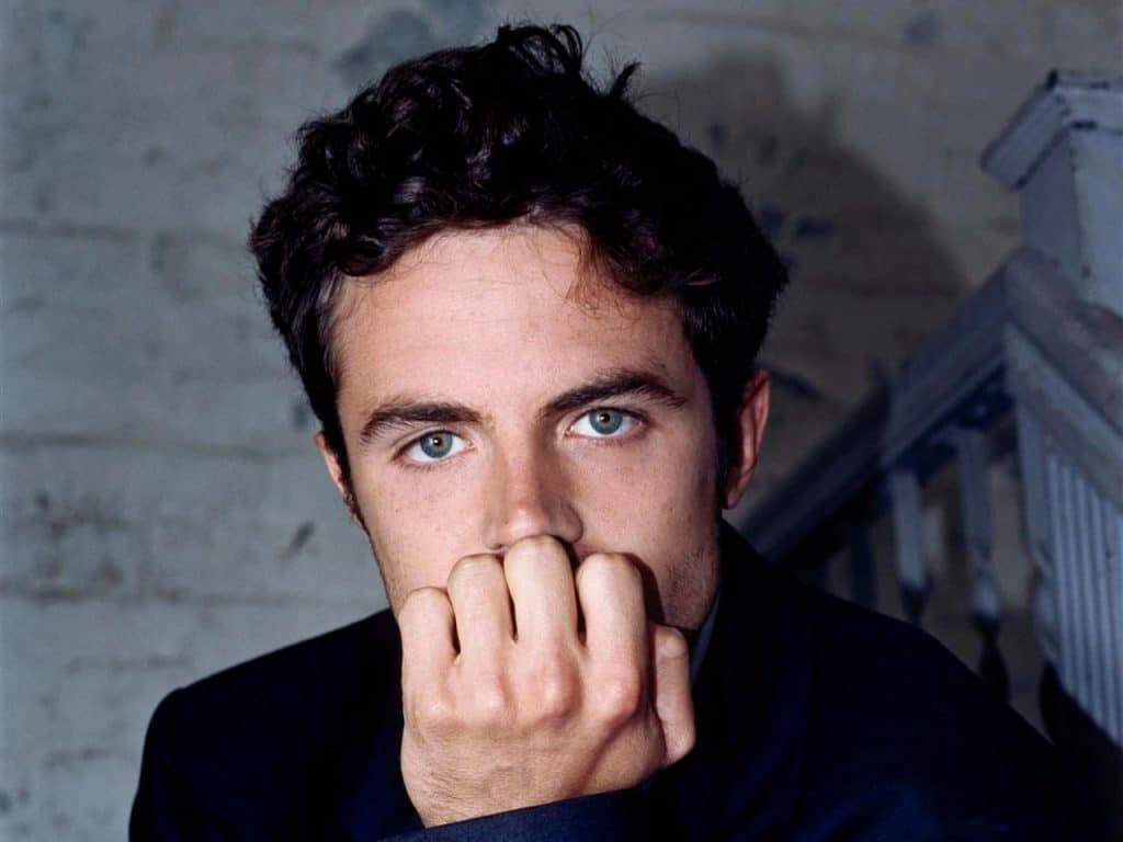 handsome photo of celebrity casey affleck showing his gorgeous blue eyes