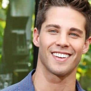 Sexy Australian Actor Dean Geyer Jerking Off