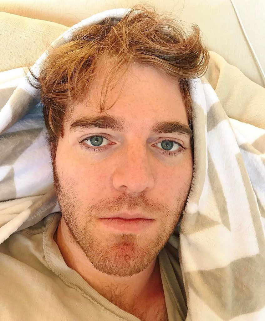 Shane Dawson in bed