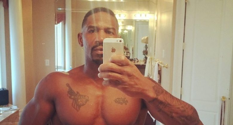 Stevie J chest selfie