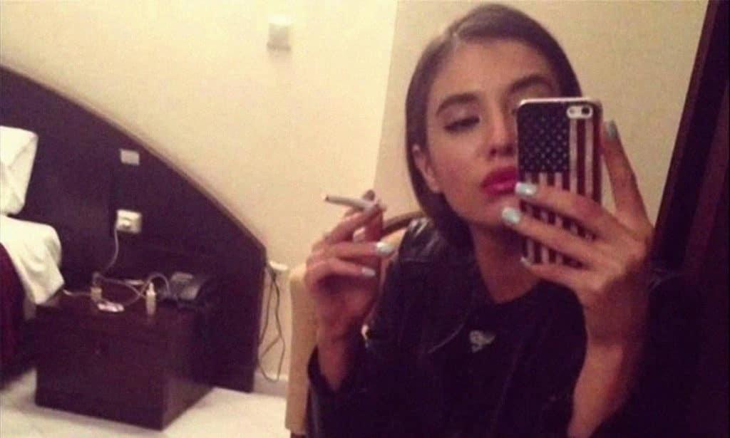 Olga Vlasova selfie (Ольга Власова)
