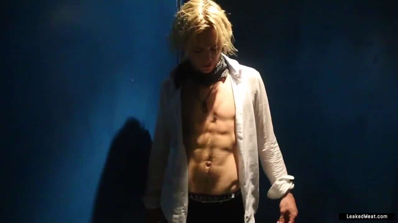 ross lynch in the nude