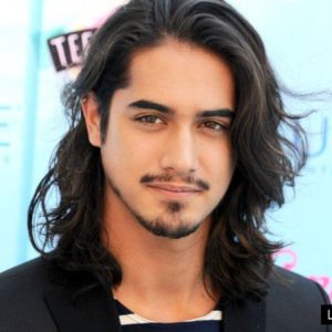 Avan Jogia gay