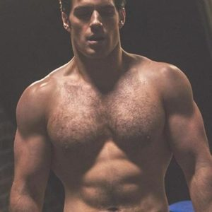 Henry Cavill physique