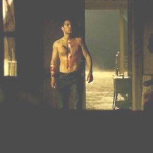 Henry Cavill no shirt