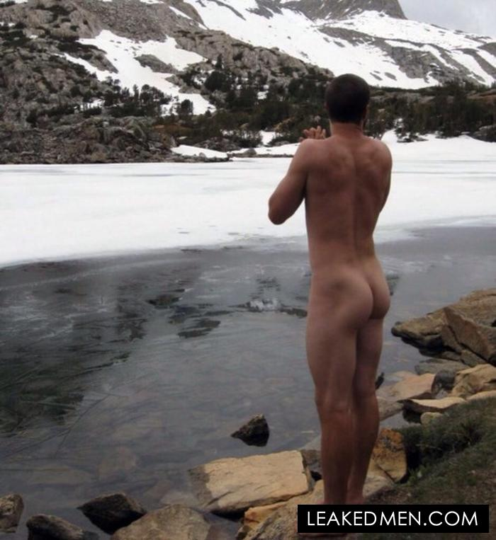 Bear Grylls fully nude