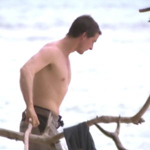 Bear Grylls muscles