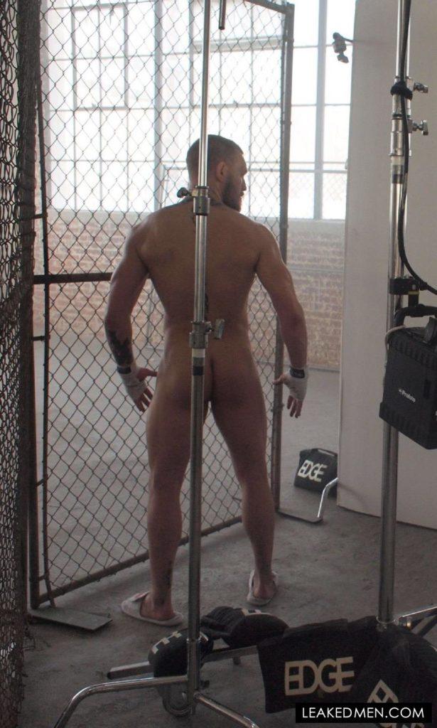Conor McGregor uncensored bare butt