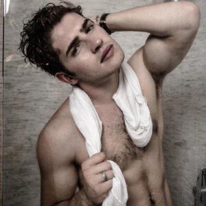Gregg Sulkin naked