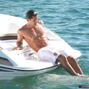 Mario Lopez full frontal